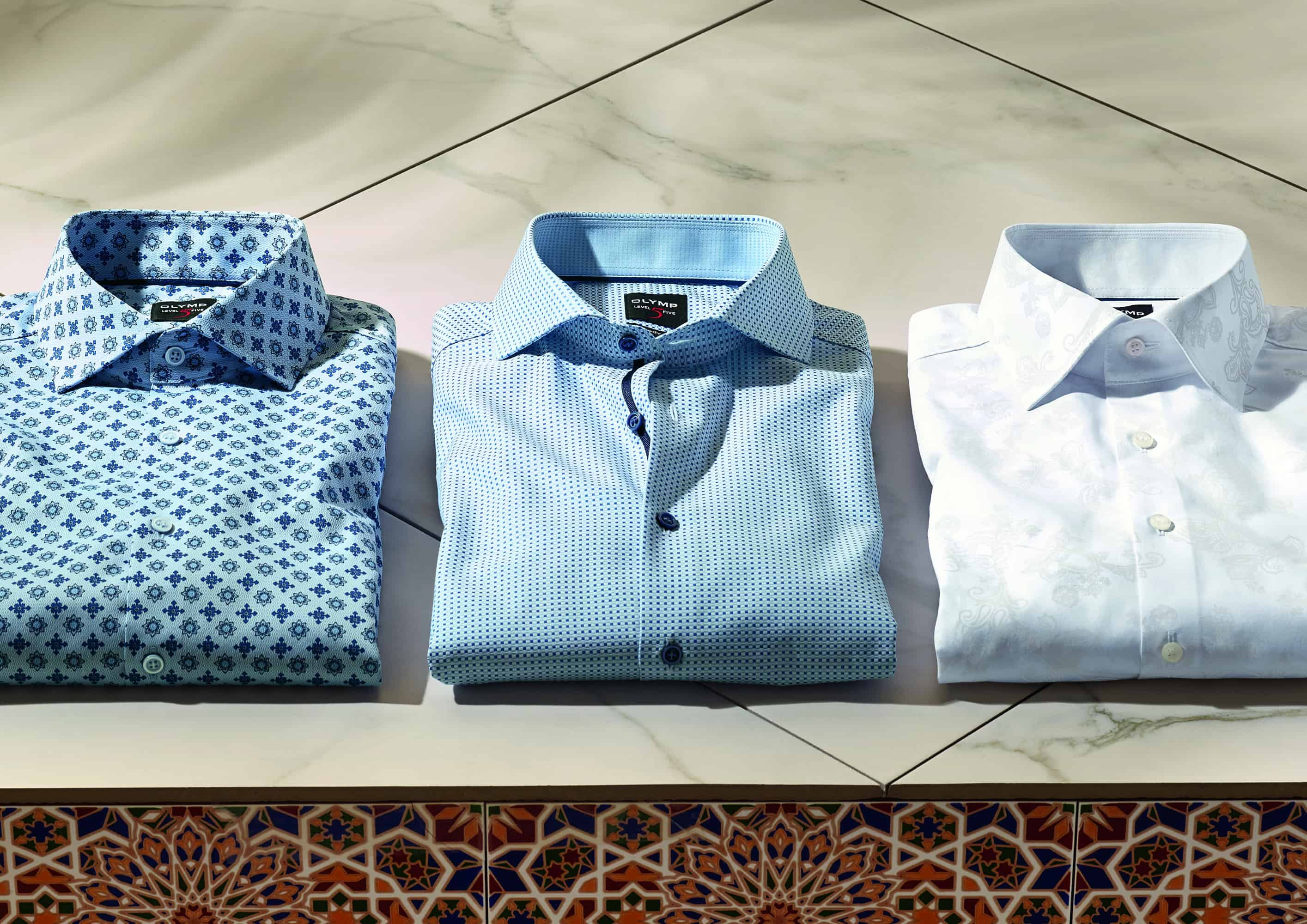 Hemden auf dem Tisch